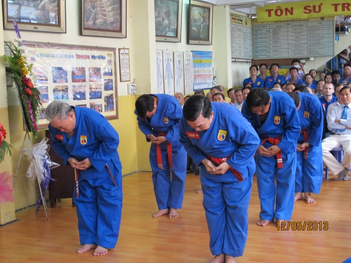 Ban nghi lễ dâng hương  Đạo nghĩa img 0019